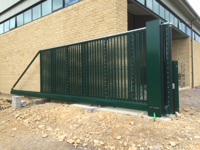 SR3 AUTOMATED CANTILEVER GATES