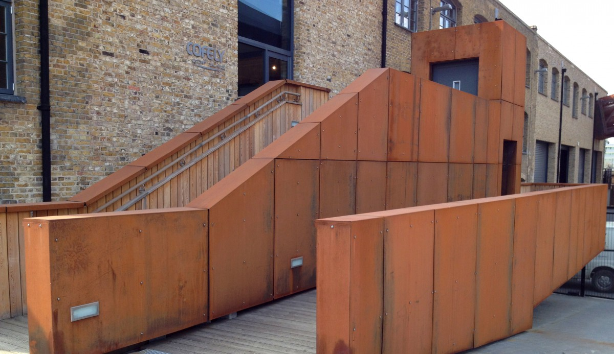 modern timber fencing - commercial fencing
