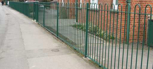 Bow-Top-Railings-Green-Fencing